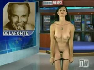 Naked News – Lynn Colson
