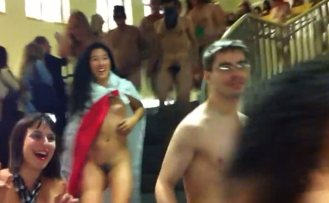 Berkeley University - Students Naked Run