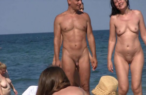 15 minutes of pure naked beach [HD]