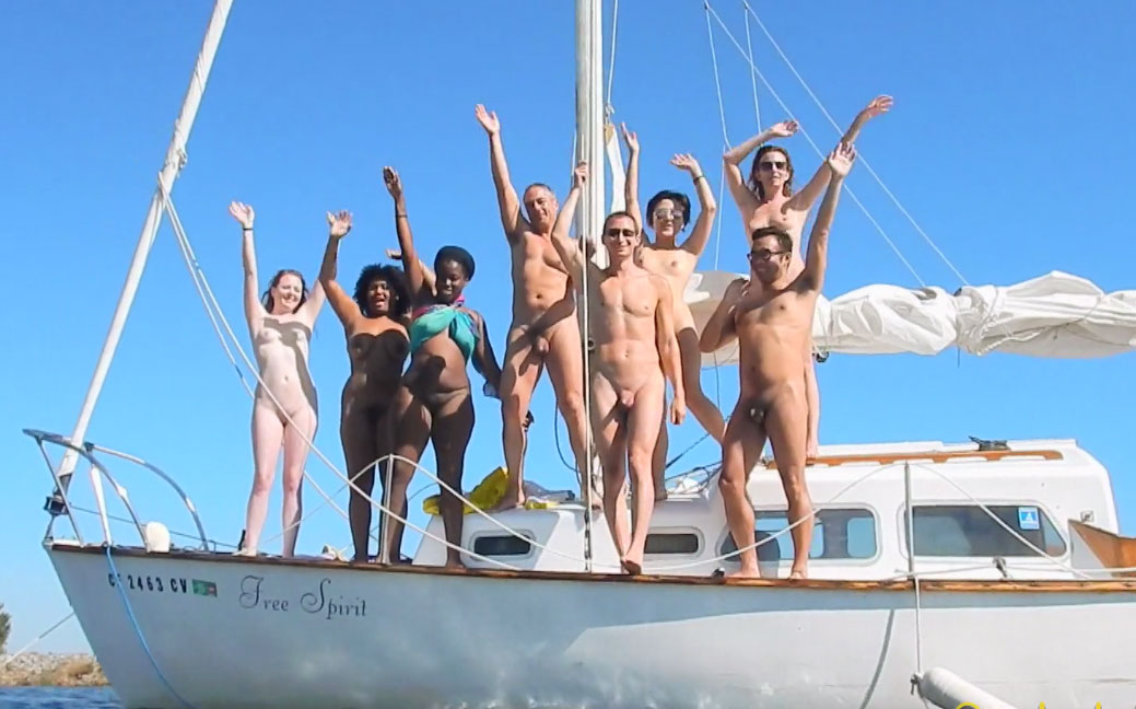Naked friends club - reporting from the naturist world
