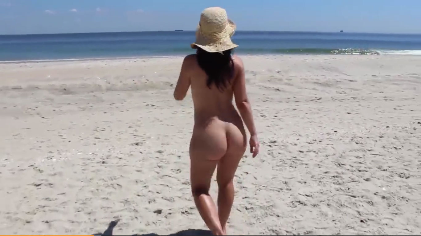 Jackie Stevens like to be naked on the beach